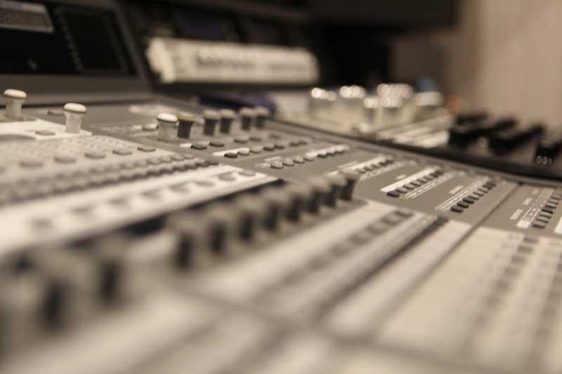 Профессиональная запись вокала, голоса, обработка.